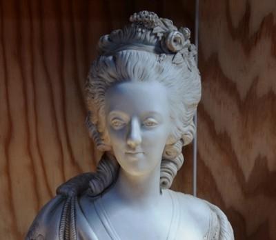 SH Enchères, Sophie Himbaut commissaire-priseur Vente de fonds de maison suite successions et divers buste-de-marie-antoinette-d-apres-felix-lecomte