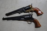 SH Enchères, Sophie Himbaut commissaire-priseur Vente de fonds de maison du 10 septembre à 14h paire-de-revolvers-italien-calibre-44